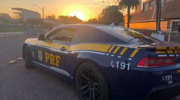 Viatura PRF Dodge Challenger - pôr-do-sol em Lajeado-RS